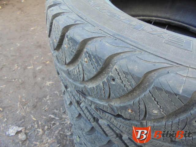 Goodyear Ultra Grip Extreme 215/65 R16
